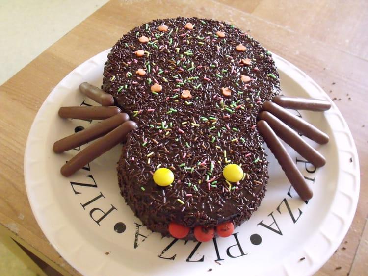 Recette de g teau marbr d 39 halloween au gla age chocolat for Idee deco gateau halloween