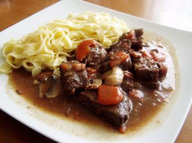 Boeuf bourguignon : la recette facile