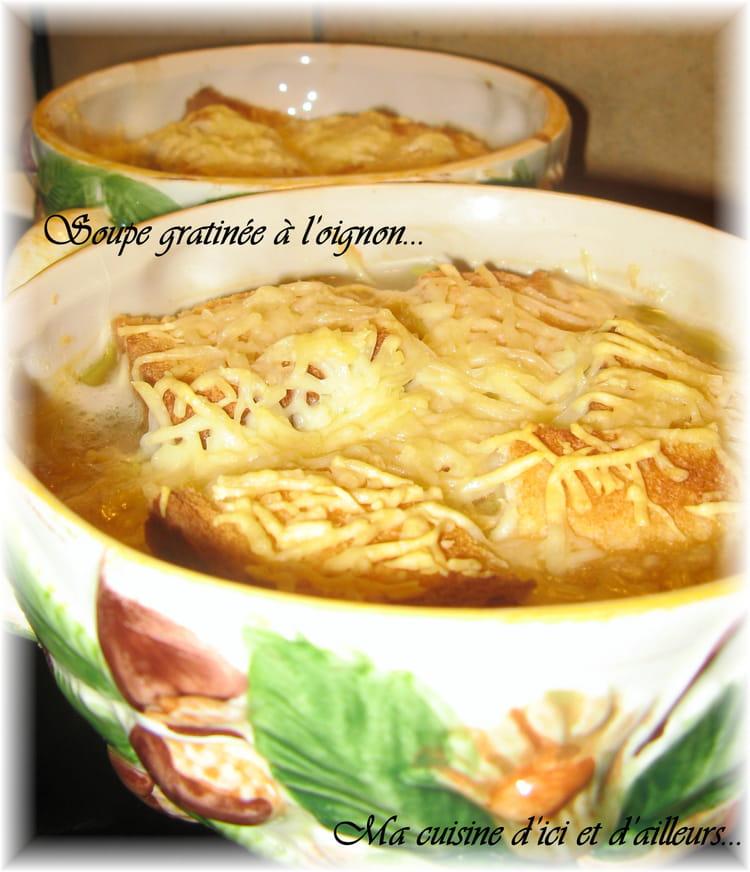 Soupe gratin e l 39 oignon de grand m re la recette facile - Soupe a l oignon gratinee ...