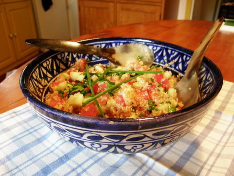 Recette de salade d 39 t au quinoa la recette facile - Salade originale ete ...