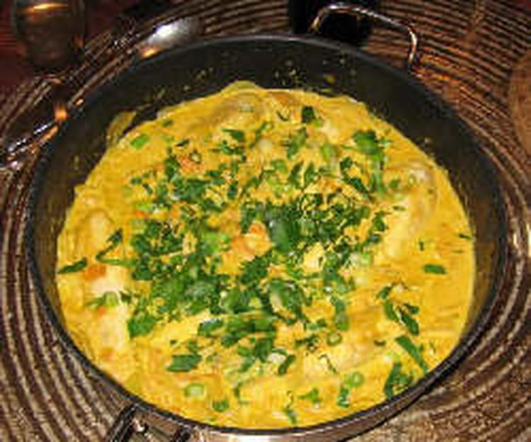 recette de curry de poulet au lait de coco et poivrons. Black Bedroom Furniture Sets. Home Design Ideas