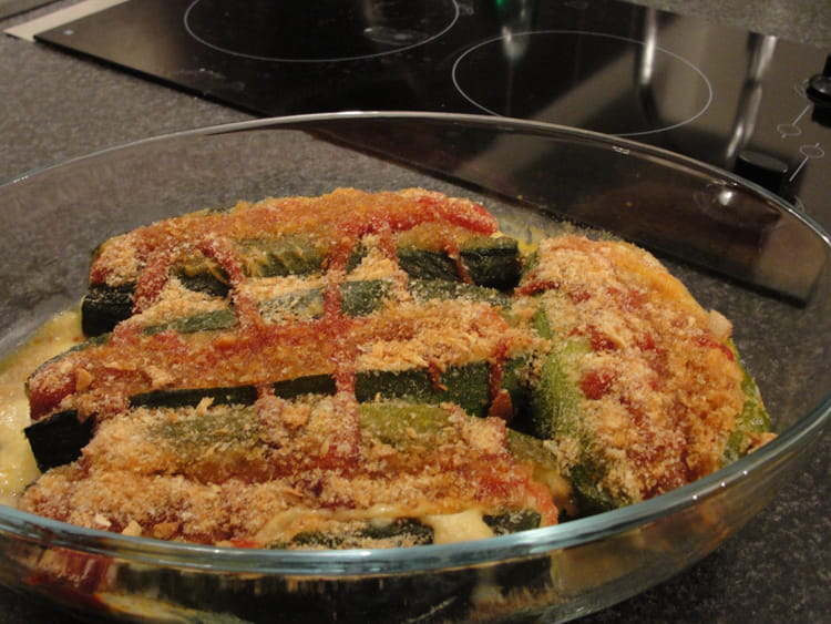 recette de gratin de courgette avec saucisses de strasbourg la recette facile. Black Bedroom Furniture Sets. Home Design Ideas