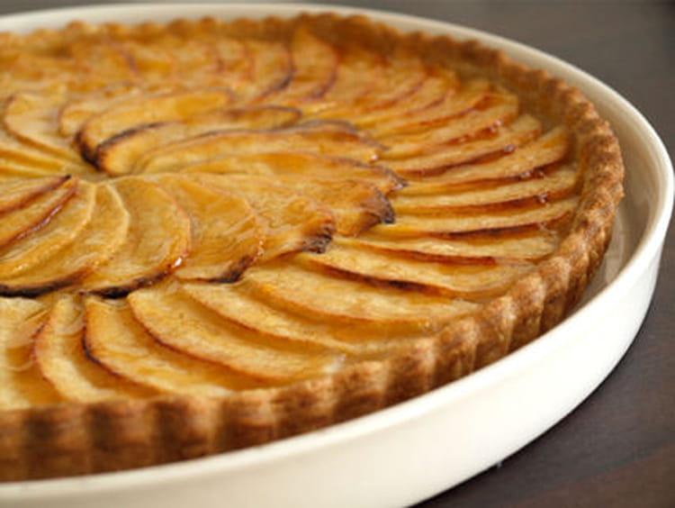 recette de tarte aux pommes sur compote la recette facile. Black Bedroom Furniture Sets. Home Design Ideas