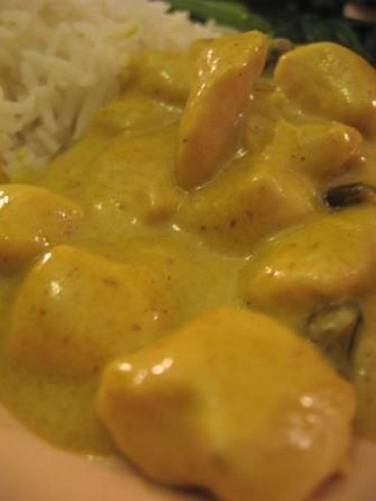 recette de poulet au curry simplissime la recette facile. Black Bedroom Furniture Sets. Home Design Ideas