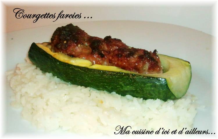 Recette de courgettes farcies aux pices et riz la - Recette courgette farcie riz ...