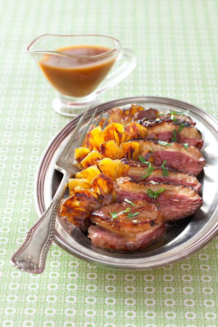 Recette de magret de canard l ananas sauce aigre douce - Cuisiner magrets de canard ...