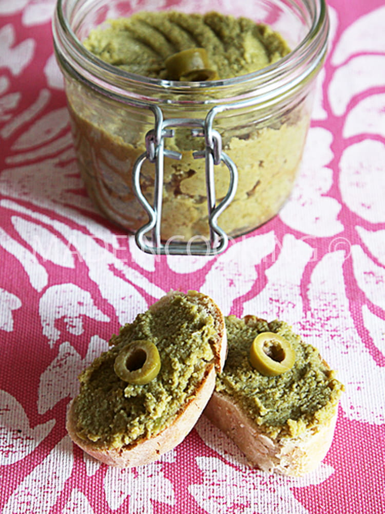 recette de tapenade aux olives vertes la recette facile. Black Bedroom Furniture Sets. Home Design Ideas