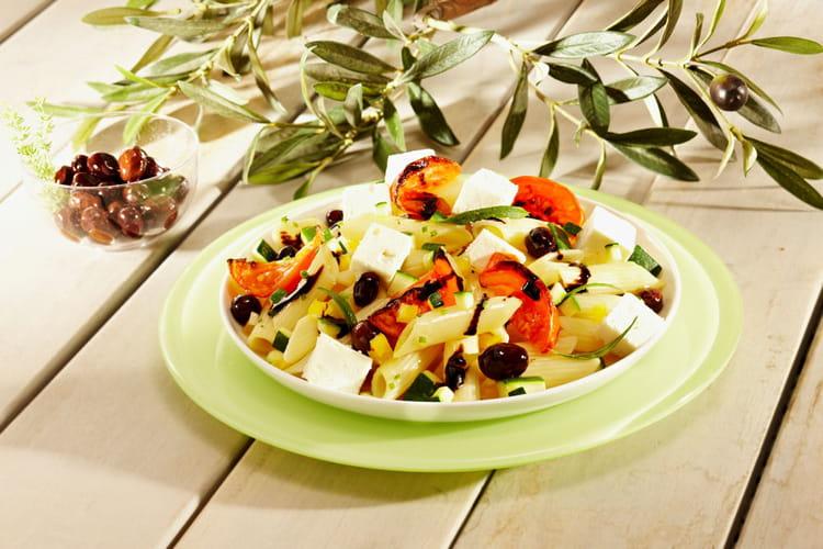 salade de p 226 tes grecque au fromage de brebis la recette facile