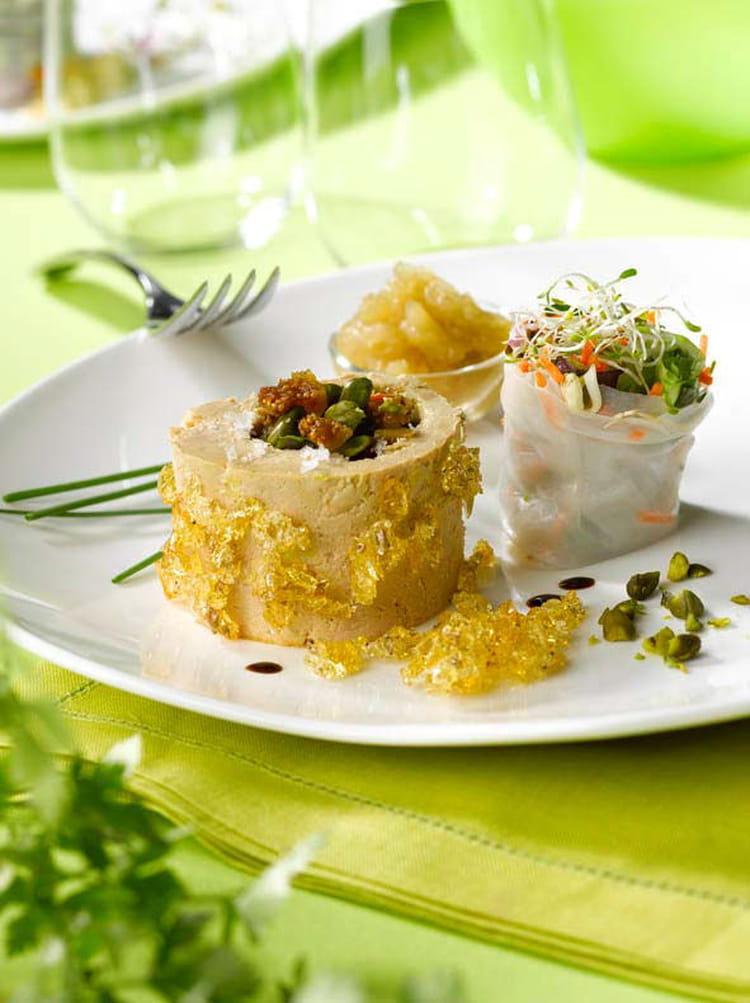 recette de roul de foie gras et ses frais amis en habit vert la recette facile. Black Bedroom Furniture Sets. Home Design Ideas