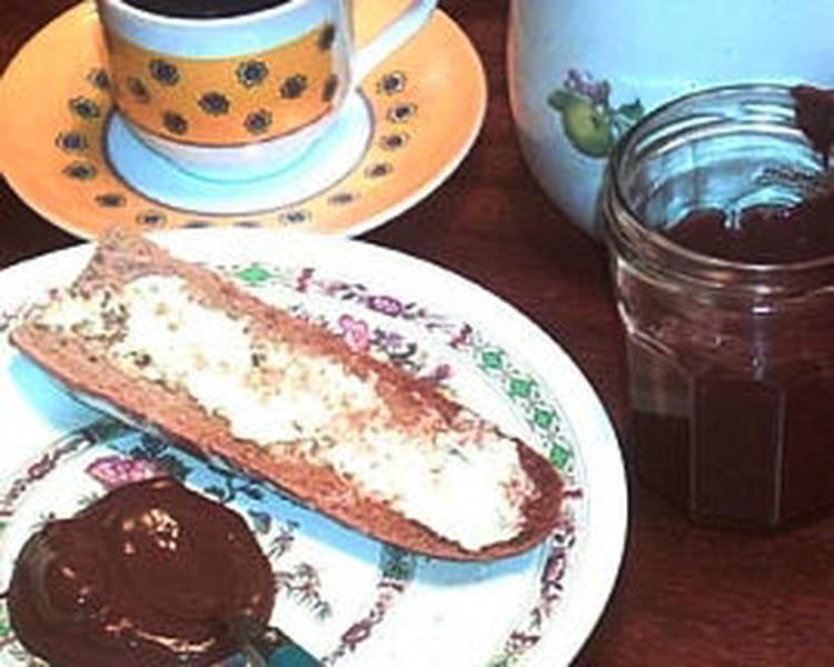 recette de p te tartiner chocolat noisettes la recette facile. Black Bedroom Furniture Sets. Home Design Ideas