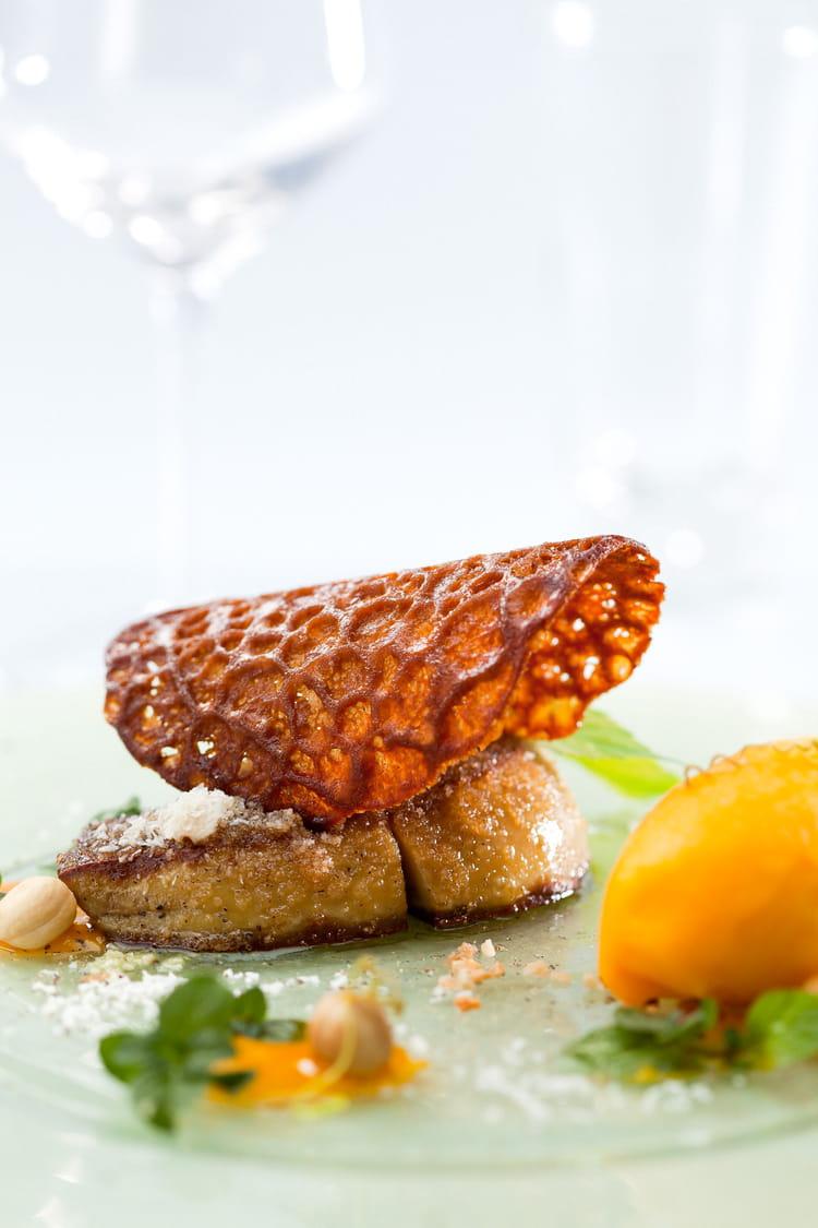 recette de foie gras po l en cro te de noix de coco sorbet et compot e de mangue la vanille. Black Bedroom Furniture Sets. Home Design Ideas