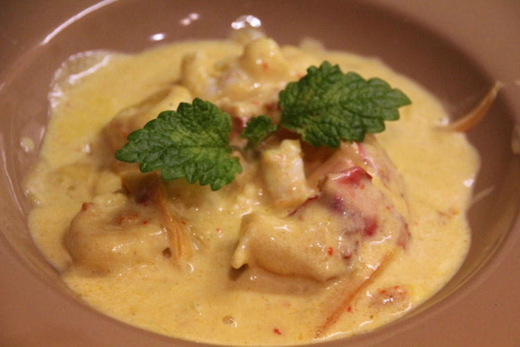Homard et langoustines la sauce safran e la recette facile - Cuisiner le homard vivant ...