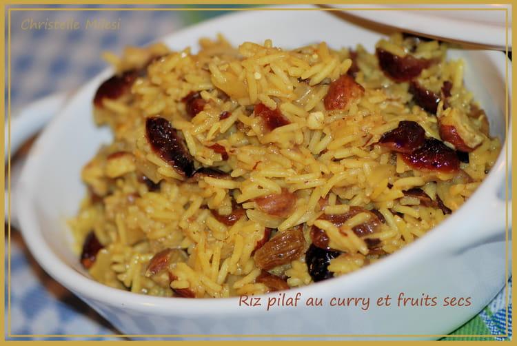 recette de riz pilaf au curry et fruits secs la recette facile. Black Bedroom Furniture Sets. Home Design Ideas