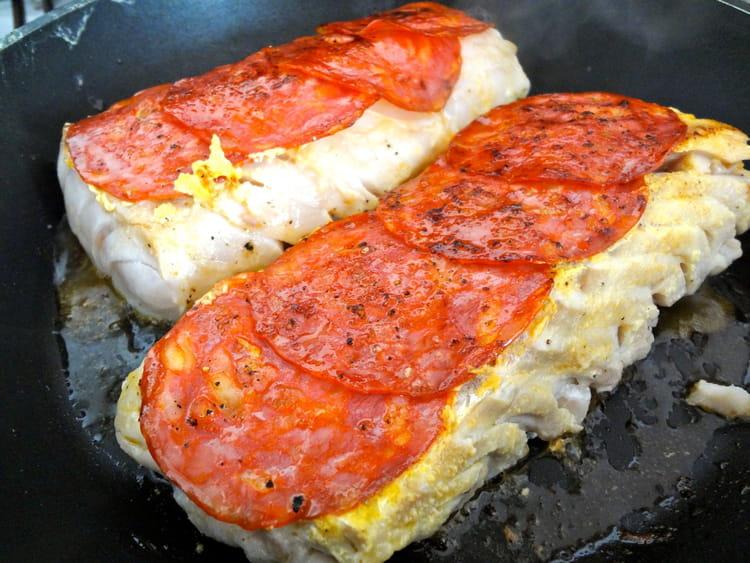 Recette de cabillaud saut au chorizo la recette facile - Cuisiner le dos de cabillaud a la poele ...
