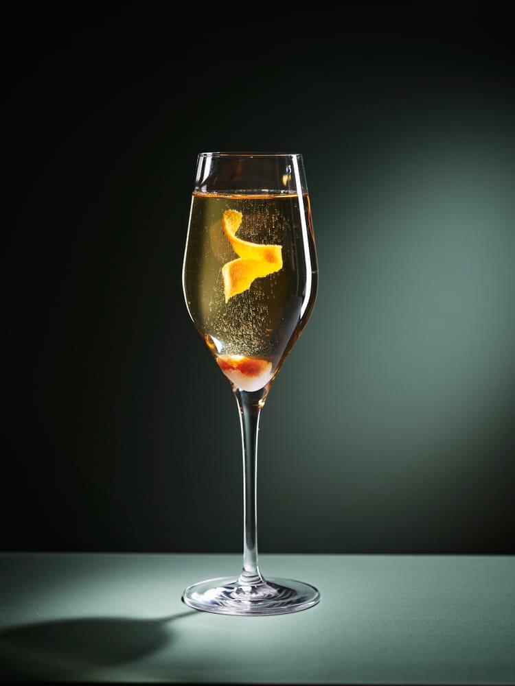 recette de champagne cocktail la recette facile. Black Bedroom Furniture Sets. Home Design Ideas