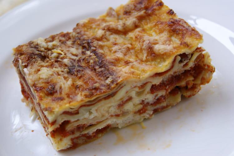 recette de lasagnes la bolognaise faciles et rapides comme en italie la recette facile. Black Bedroom Furniture Sets. Home Design Ideas