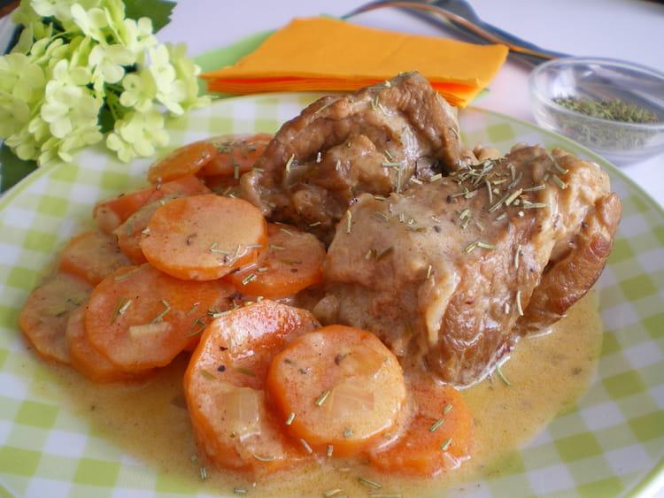 Recette de saut de veau aux carottes et romarin la - Cuisiner tendron de veau ...