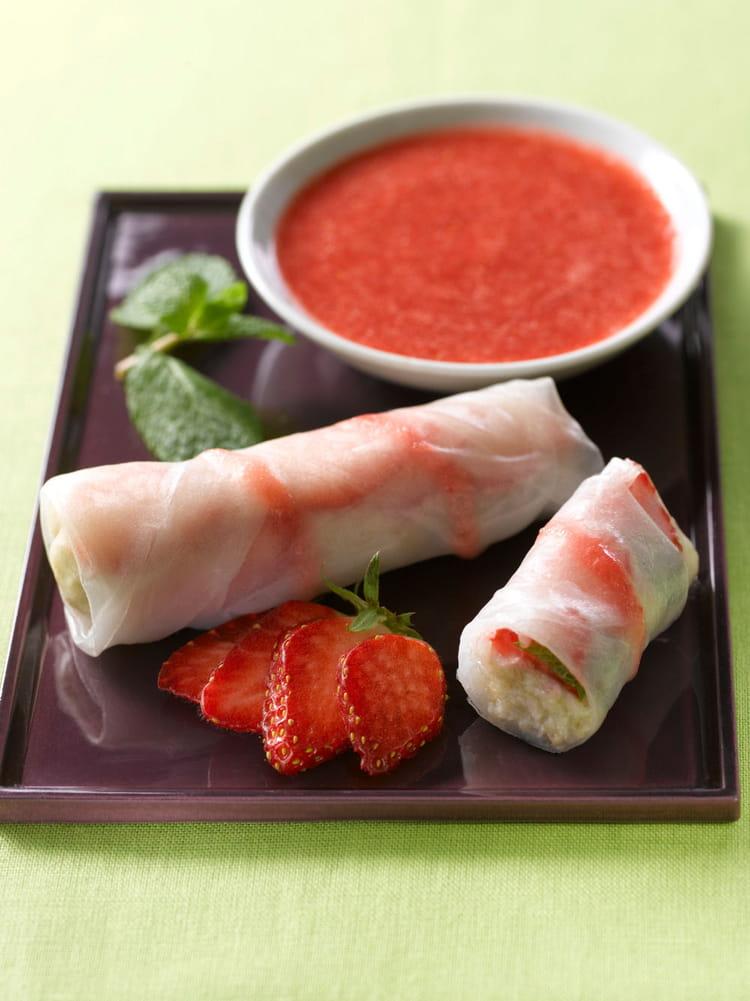 recette de rouleaux de printemps aux fraises la recette. Black Bedroom Furniture Sets. Home Design Ideas