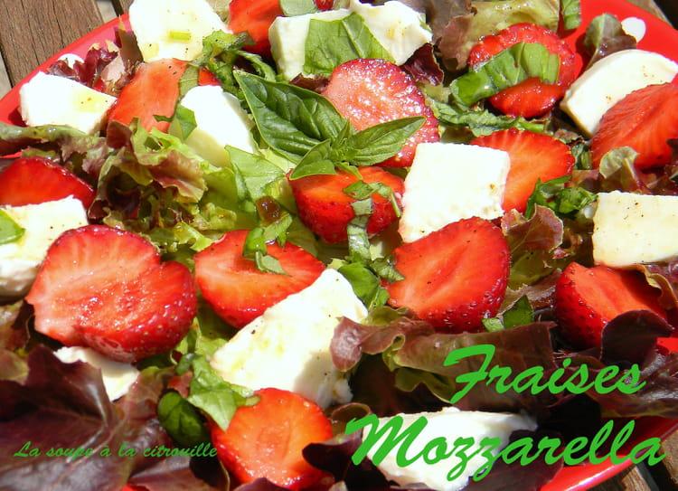 recette de salade de fraises mozzarella au basilic la recette facile. Black Bedroom Furniture Sets. Home Design Ideas