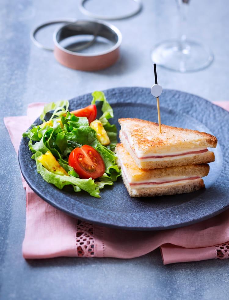 recette de croque monsieur fa on minis clubs sandwich l 39 ananas caram lis la recette facile. Black Bedroom Furniture Sets. Home Design Ideas