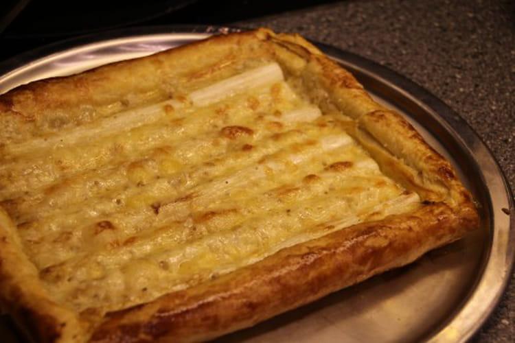 recette de tarte aux asperges blanches et fromage aux noix la recette facile. Black Bedroom Furniture Sets. Home Design Ideas