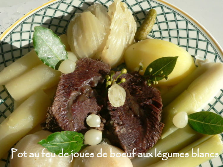 recette de pot au feu de joues de boeuf aux l gumes blancs la recette facile. Black Bedroom Furniture Sets. Home Design Ideas