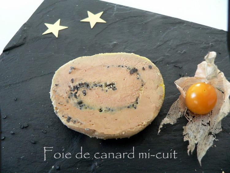 recette de foie gras de canard mi cuit la recette facile. Black Bedroom Furniture Sets. Home Design Ideas