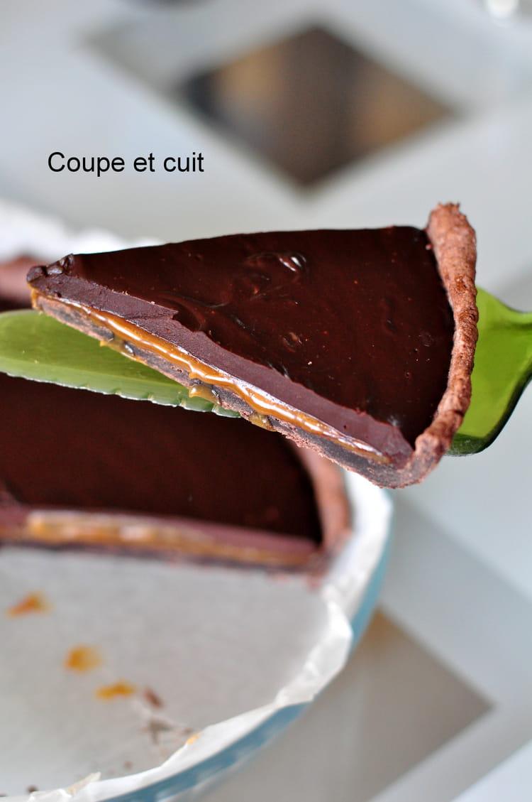 recette tarte au chocolat et au caramel au beurre sal tarte dessert. Black Bedroom Furniture Sets. Home Design Ideas